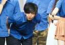 【エントリーでポイント最大19倍!(5月16日01:59まで!)】【中古】生写真(男性)/お笑い芸人 パンサー/向井慧/横型・膝上・衣装青黒・両手下・前かがみ・目線左/ナマーシャ