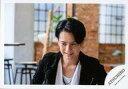 【中古】生写真(ジャニーズ)/アイドル/ジャニーズ ジャニーズ/佐藤アツヒロ/横型・バストアップ・衣装白・黒・両手下・目線左下・歯見せ/「Atsuhiro X'mas Event 2019 Love Song for you」グッズオフショット/公式生写真
