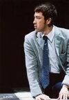【エントリーでポイント10倍!(2月16日01:59まで!)】【中古】生写真(男性)/歌舞伎役者/俳優 尾上松也(私)/ライブフォト・膝上・座り・衣装グレー・白・両手床・目線左・背景黒/ミュージカル「Thrill me(スリル・ミー)」舞台写真
