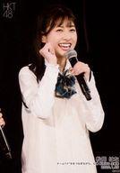 【エントリーでポイント10倍!(4月16日01:59まで!)】【中古】生写真(AKB48・SKE48)/アイドル/HKT48 松岡はな/ライブフォト・上半身・衣装白・制服・右手グー/HKT48 チームTII「手をつなぎながら」公演 松岡はな 生誕祭 ランダム生写真 2020.1.25