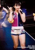【エントリーでポイント10倍!(4月16日01:59まで!)】【中古】生写真(AKB48・SKE48)/アイドル/HKT48 松本日向/ライブフォト・膝上・衣装ピンク・青・白・右手人差し指立て/HKT48 チームTII「手をつなぎながら」公演 荒巻美咲 生誕祭 ランダム生写真 2020.1.28