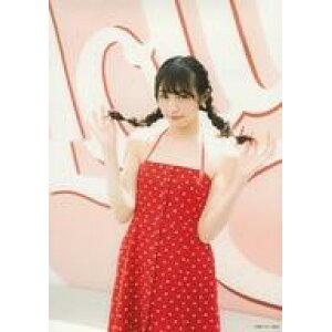 [Usado] Foto sin procesar (Nogizaka 46) / Idol / Keyakizaka 46 Rika Watanabe / Por encima de las rodillas / traje rojo / blanco / patrón de puntos / ambas manos cabello / fondo rosa / Rika Watanabe 1ra colección de fotos Rakuji na mirada liberación bromuro conmemorativo