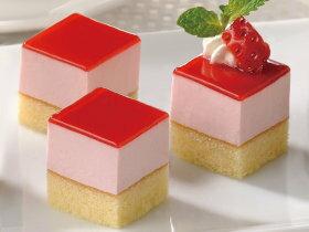 フレック)カット済ケーキレアーストロベリー(とちおとめ苺果汁)367g(ケーキ 洋菓子 デザート フルーツ)