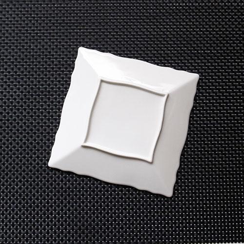 リンクル 15cm プレート Sサイズ日本製 磁器 白い食器 取り皿 おしゃれ スクエア業務用食器 食器 白 四角 皿