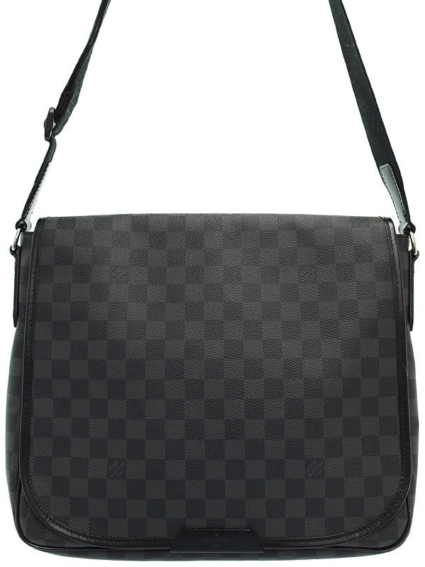 【LOUIS VUITTON】ルイヴィトン『ダミエ グラフィット ダニエルMM』N58029 メンズ ショルダーバッグ 1週間保証【中古】