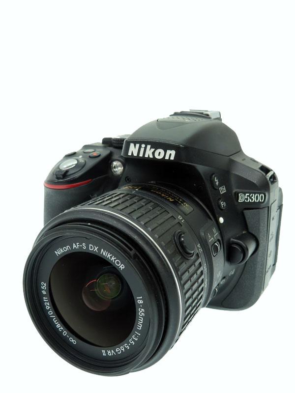【Nikon】ニコン『D5300 18-55 VR レンズキット ブラック』2014年 2416万画素 3.2インチ Wi-Fi SDXC デジタル一眼レフカメラ 1週間保証【中古】