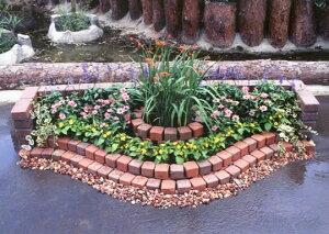 レンガと型紙でつくる素敵なお庭!!簡単にレンガのお庭ができる!キュアガーデン 花壇KRタイ...