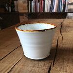 白磁縁紅碗
