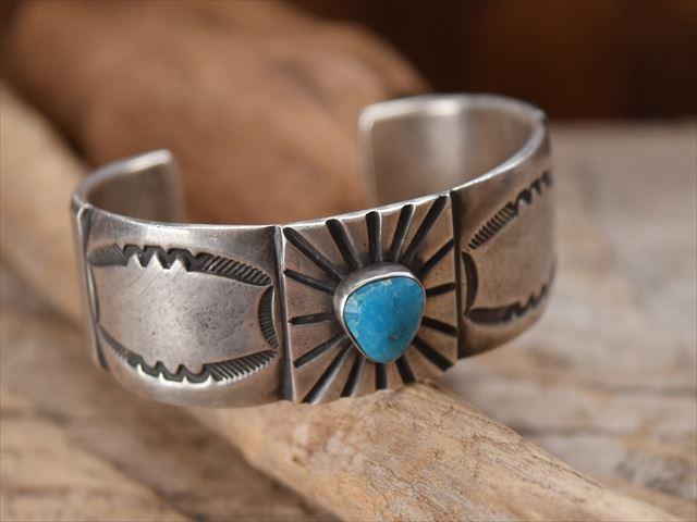 Indian Jewelry ランディー ババ シャッケルフォード (Randy Bubba Shackelford)インゴット シルバー イサカピーク ターコイズ バングル ov1