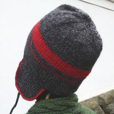 耳あて付き!ほんわり毛糸で編む2色使いの帽子【ニットキット】