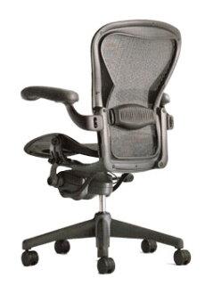HermanMiller (Herman Miller) Aeron 椅 グラファイトカラーベース 腰支援全套設備配有經典碳中等大小