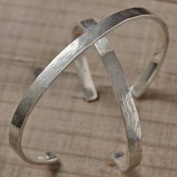 タタきのバングル(中) ペアバングル ハンドメイド オーダー シルバー 槌目 シンプル 上品 おしゃれ 腕輪 Silver 950 マモる ごつめ ゴツめ 手作り 手づくり