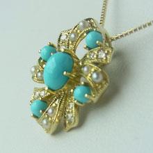送料無料!Victorian'sGateトルコ石とシードパールとダイヤが美しいアンティークスタイルのペンダントK10VG196