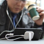 iPhone7/7Plus用充電イヤホンニコイチアダプタ(ブラック)IPPADPT7※日本語マニュアル付き【16時締切翌日出荷※祝前日・休業日前日を除く】