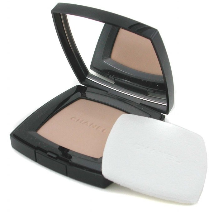 CHANEL number 3 ChanelPoudre Universelle Compact...