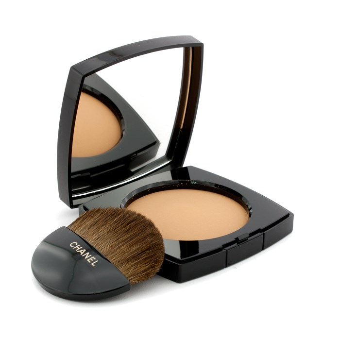 CHANEL number 3 ChanelLes Beiges Healthy Glow Sh...