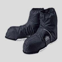 雨の日に、水の浸入を防ぎ、シューズ内を濡らさず快適に。ベルクロ着脱式でカジュアルタイプの...