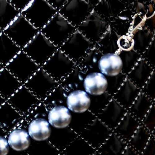天使のカート シャンアンジェ 大粒ブラックパールアクセサリー