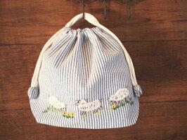 ハンドメイド刺繍巾着Mサイズ(ひつじ-ブルーストライプ)