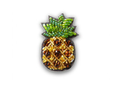 ビーズ刺繍のブローチキットパイナップル