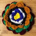 手作り毛糸のお花ブローチ / ネパール バッチ ピン アジア インド エスニック アクセサリー アンクレット ピアス リング ビンディー