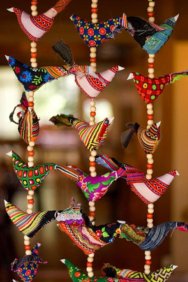 ベトナムのにわとりハンギング / モン族 刺繍 アジアン インド 風鈴 エスニック 雑貨