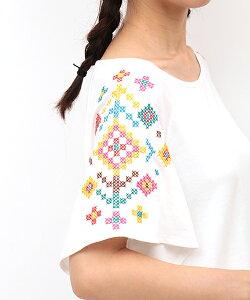 クロス刺繍フレアー袖Tシャツ