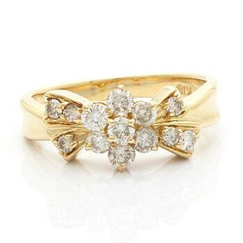 ◎K18ダイヤモンドリングD0.60フラワーリボン18金