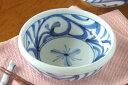 【砥部焼 梅山窯】みつからくさの半玉ぶち鉢(4,8寸)