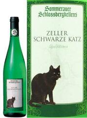 黒ネコのトレードマークで親しまれているツェル村のワインです。モーゼルの特徴がよくあらわれ...