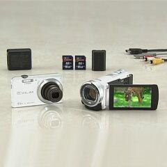 ビクターフルハイビジョンムービーに、1610万画素デジカメ、32GBメモリーカード2枚にムービー用...