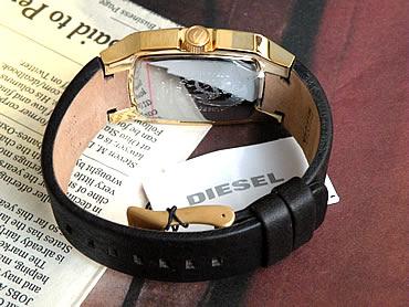 DIESELディーゼルDZ1297男女兼用サイズ濃茶レザーに金のケース