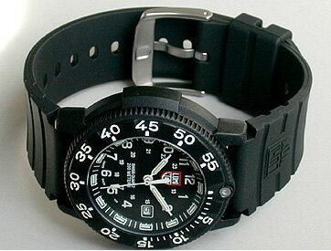 ルミノックスLUMINOX3001ネイビーシールズ黒ウレタンバンド・文字板T25表記入りミリタリーウォッチ腕時計海外直輸入モデル