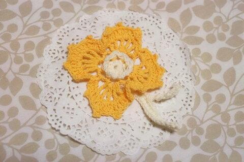 可愛い 花 手編みのモチーフ