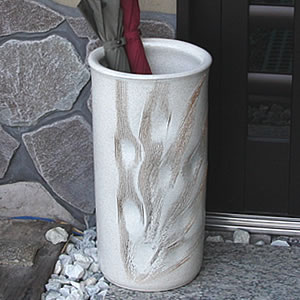 信楽焼白くし目彫り傘立て!玄関のインテリア!陶器/信楽焼かさたて/陶器傘立て/和風傘立て/やき…