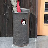 信楽焼小窓まねき猫傘立て!玄関のインテリア!陶器/信楽焼かさたて/陶器傘立て/和風傘立て/やき…