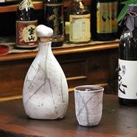 可口的水、 燒酒、 清酒、 長崎陶瓶! 感覺到不同的味道。 陶瓷儲物罐 / 燒酒伺服器 / 保存瓶 / 陶伺服器 [ss-0072]