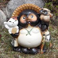 【送料無料】11号ふくろう招き猫付き信楽焼たぬき!縁起物のタヌキ/陶器タヌキ/たぬき置物/やき…
