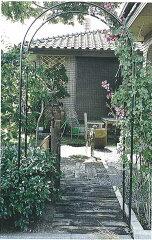 さまざまな植物と組み合わせられます。【送料無料】ガーデンアーチR型