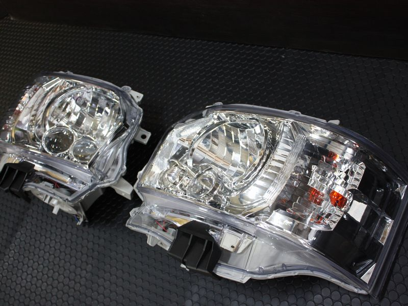 200系ハイエース 純正タイプ4型LEDヘッドライトクロームインナー(ハロゲン車交換用):Ts FACTORY