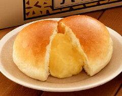 カスタードたっぷりのクリームパン百貨店で行列が出来ていた九十九堂本舗のクリームパン