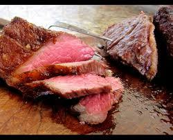 グレードで肉の脂や柔らかさが変わるが、当店は穀物飼育を150日以上した牛のいちぼ肉なので、一...