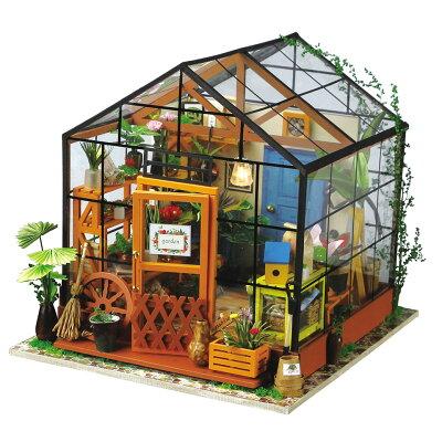 作る楽しみも味わえる!生活感を感じるとってもリアルなミニチュアハウス