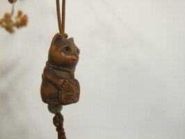 一刀彫の木彫りの作品〜招き猫〜仕様:無垢/材料:柘(木彫/彫刻/手彫り/天然木/一点物/根付)