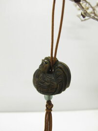 一刀彫の木彫りの作品〜たぬき〜仕様:無垢/材料:柘(木彫/彫刻/手彫り/天然木/一点物/根付)