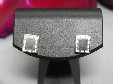 シルバー ステッチ モチーフ スクエア ピアス SILVER925たて 7mm × よこ 6mm