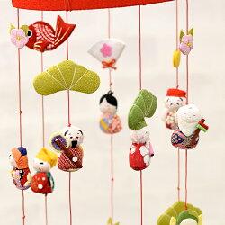 縮緬工芸品をもっと身近に。子供の成長を願う贈り物として。【京都のつるし飾りちりめん七福神7本飾り】つるし雛,誕生日,雛祭り,子供の日,七五三,新春,お正月,お祝い,和雑貨,インテリア,プレゼント,ギフト