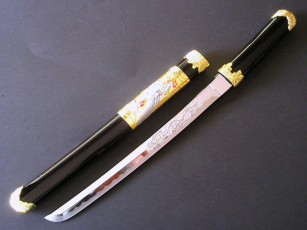 糸巻柄6寸 黒鞘※本品は、メール便及び、ゆうパケット、コンビニ受取は対応しておりません。 美術刀剣 模造刀 (T001) 短刀・御守刀