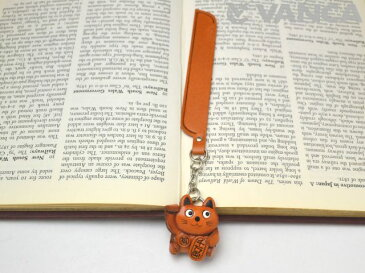 招き猫 チャームブックマーカー【レザー 本革 VANCA バンカクラフト革物語 国産 ハンドメイド 贈り物 即納】