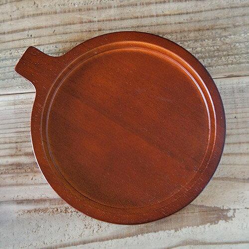 熱々グラタンに欠かせない受台。木製なので熱に強く、また大きめの取っ手があるので安定感があります。丸形のオーブン皿が収まり、とてもおしゃれ。S・Lサイズがあり、こちらはLサイズ。